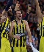 Fenerbahçe liderdiği bırakmıyor