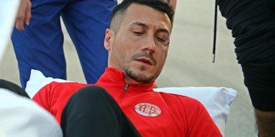 Antalyasporlu Adis Jahovic 6 hafta yok!