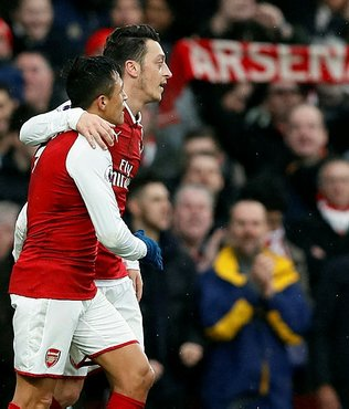 Mesut derbide Arsenal'e can verdi!