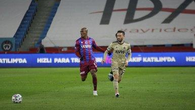 Son dakika spor haberleri: Trabzonspor Fenerbahçe derbisinde gergin anlar! Nwakaeme ve Volkan Demirel...