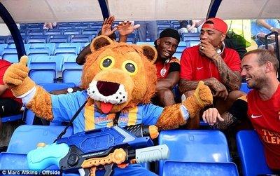 Drogba İngiltereyi salladı