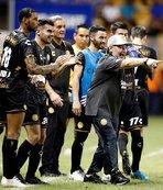 Maradona'nın takımı farklı galibiyetle başladı