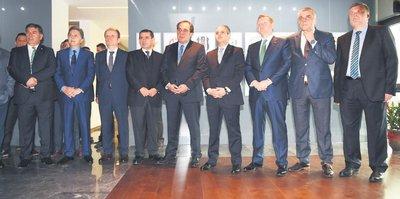 Başkanlar Şehitler Tepesi'nde