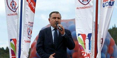 Gençlik ve Spor Bakanı Osman Aşkın Bak'tan Eczacıbaşı VitrA'ya tebrik