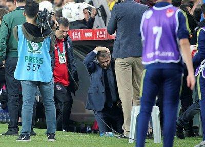Olaylı Fenerbahçe-Beşiktaş derbisi dünya basınında