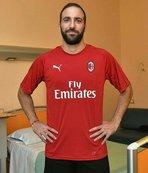 Higuain resmen Milan'da!
