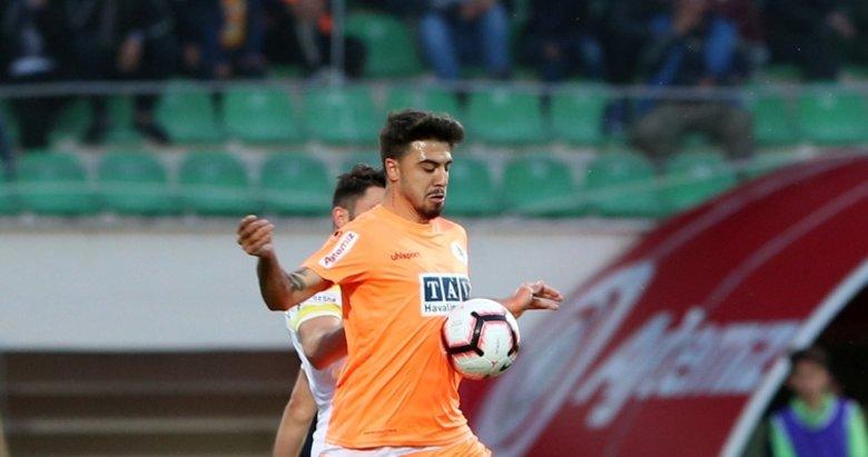 Fenerbahçe'de Ozan Tufan için yeni karar!