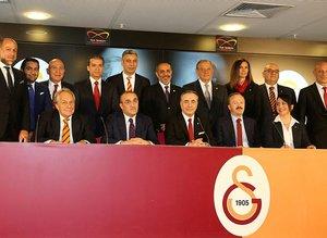Galatasaray yönetimi bombaları patlatıyor! İşte Cimbom'un kare ası!