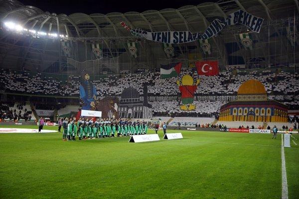 Atiker Konyaspor'dan anlamlı koreografi