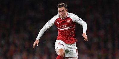 Mesut Özil, Arsenal tarihine geçti!