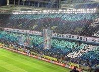 Trabzonsporlulardan Fenerbahçelileri kızdıran koreografi