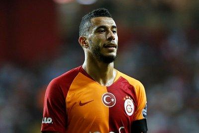 Galatasarayın Faslı yıldızı Belhanda isyan etti!