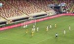 Yeni Malatyaspor-Kırklarelispor maçında inanılmaz olay! Filelere çarpan top gol sayılmadı...