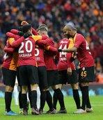 Galatasaray ikinci yarıya 3 puanla başladı!
