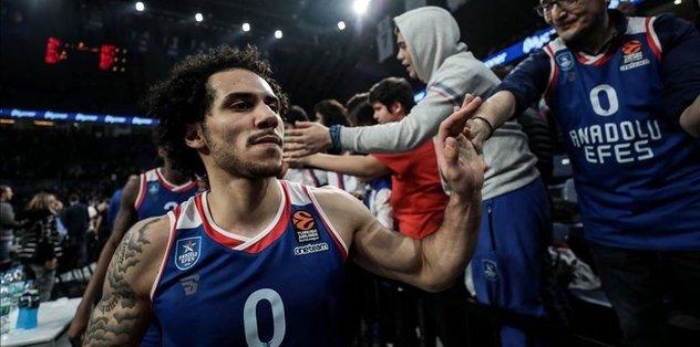 Anadolu Efes superstar Larkin named MVP for 2nd time