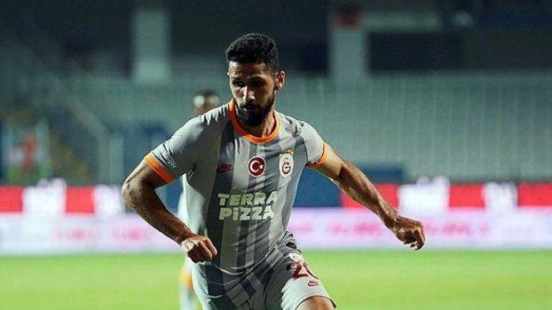 Galatasaray'da Emre Akbaba'dan o iddialara sert tepki! #
