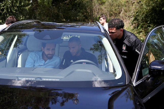 Beşiktaşlı futbolculara araba hediyesi!