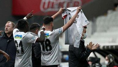 Son dakika spor haberleri: Beşiktaş Alanyaspor maçında Rachid Ghezzal attığı golü Ajdin Hasic'e armağan etti