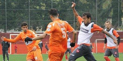 Adanaspor gol yağdırdı