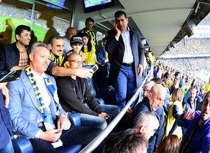 Alex, Galatasaray maçını bu kez tribünden izliyor
