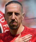 Ve Ribery eşyalarını topladı! Transfer uçağı kalkıyor