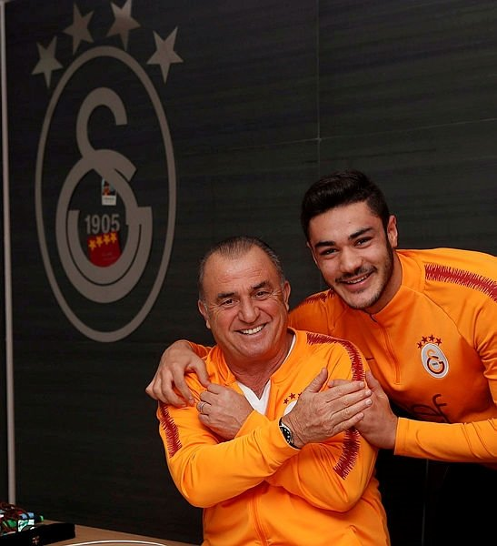Ozan Kabak: Galatasaray'dan vazgeçmedim