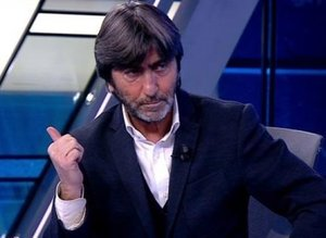 """Rıdvan Dilmen o pozisyonu yorumladı """"8 maç ceza"""""""
