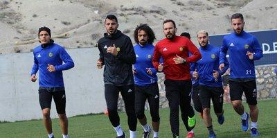 Yeni Malatyaspor, Trabzonspor'a bileniyor