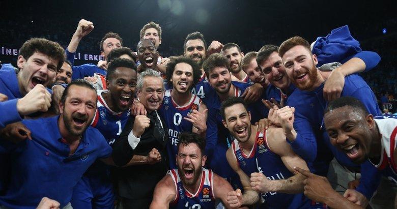 Anadolu Efes - Barcelona maçından kareler