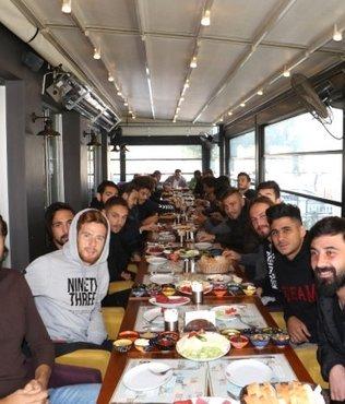 Manisa BBSK'lı futbolculara moral