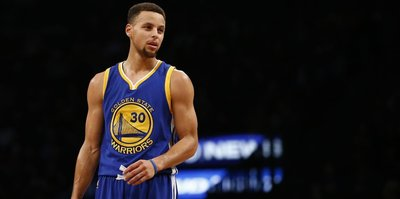Warriors'tan Curry'ye çılgın fiyat