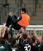 41 yaşındaki Pizarro futbola veda etti
