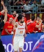 İlk finalist İspanya!