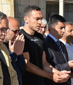 Mevlüt Erdinç'in babası son yolculuğuna uğurlandı