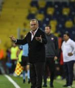 Galatasaray'da defansa iki yerli aday!