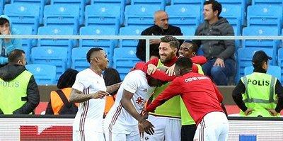 Sivasspor Trabzonspor'u devirdi!