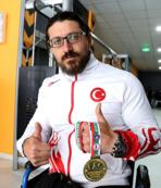 Dünya Bilek Güreşi Şampiyonası'nda üç altın madalya birden!