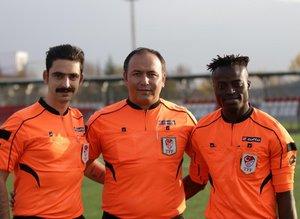 Türkiyenin ilk Ganalı hakeminin hedefi Süper Lig