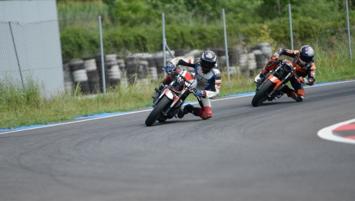 3 milli motosikletçi Portekiz'de piste çıktı!