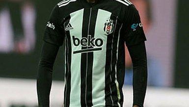 Son dakika spor haberleri: Beşiktaş'ta Bernard Mensah şoku! Galatasaray maçı kadrosundan çıkarıldı