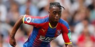 Manchester United Aaron Wan-Bissaka'yı transfer etti