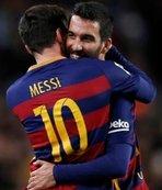 Arda Turan'dan Messi mesajı