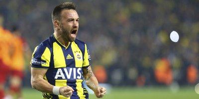 Fenerbahçe'de iki yıldızla bir yıl daha!