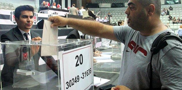 Beşiktaş'ta olağanüstü seçimli genel kurul başladı