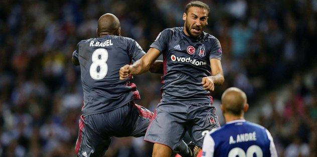 Beşiktaş, Porto'yu ezdi geçti!