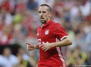 Franck Ribery spor yorumcusunu dövdü!