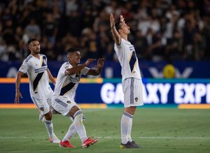 Ibrahimovic'in coştuğu maçtan kareler!