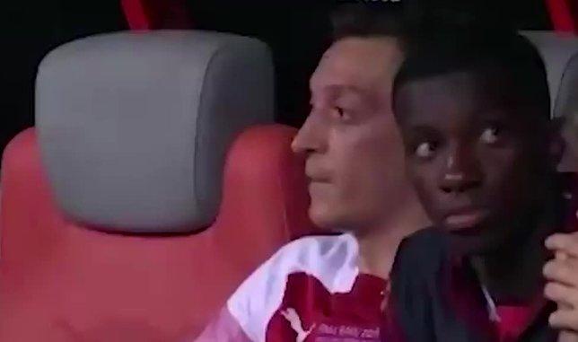 Mesut Özil'den Emery'ye şok tepki: Vallahi hoca değilsin!