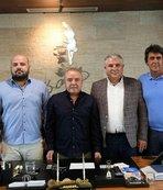 Başkan Böcek: Antalyaspor'un her zaman yanındayız