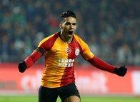 Galatasaray'da Falcao muazzam bir gol attı sosyal medya yıkıldı!